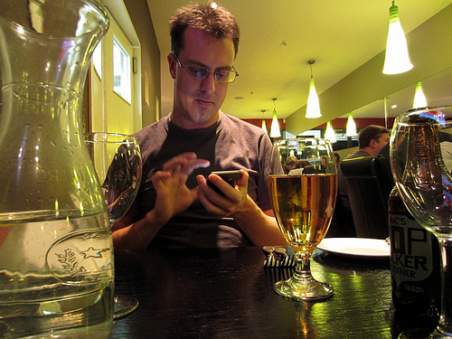 Smartpone en bar